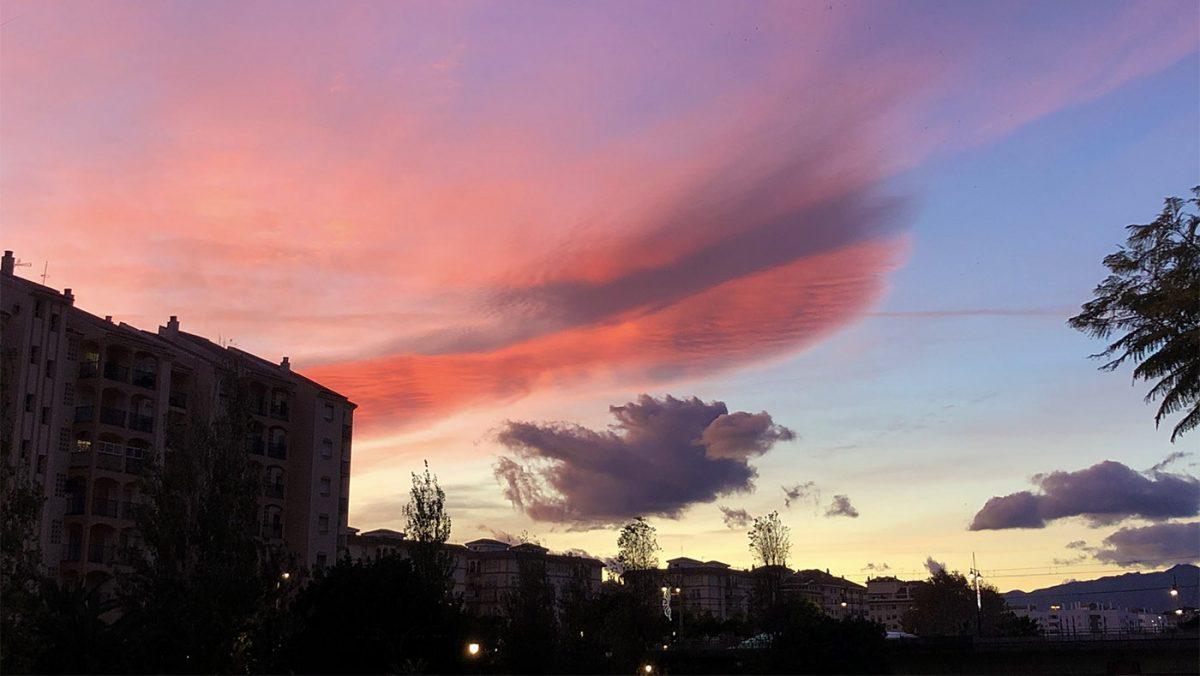 Castle on a Cloud / Castillo de Cristal (en una Nube)