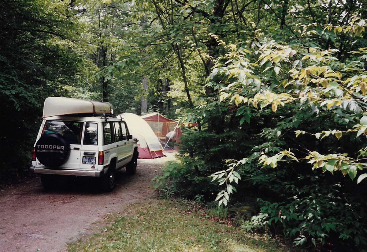 Lockdown Day 22: Past Tents, Part 1 / Encierro Día 22: Tienda de Compaña, Parte 1