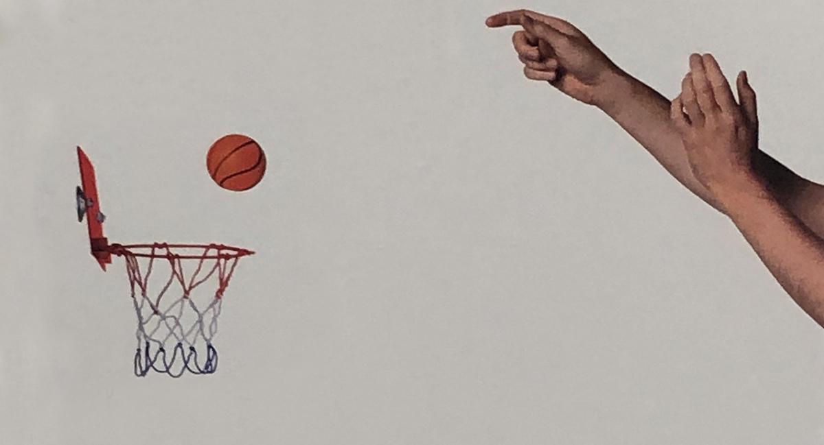 Sitting and shooting / Baloncesto sentado