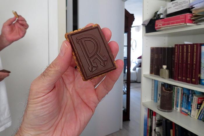 Chocolate shortbread cure / Cura de bizcocho con chocolate