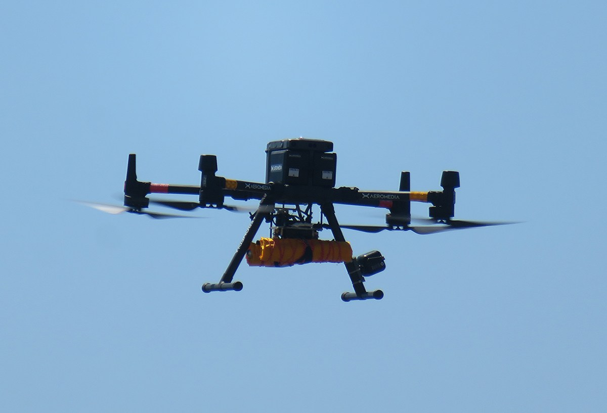 Droning on / Droneando